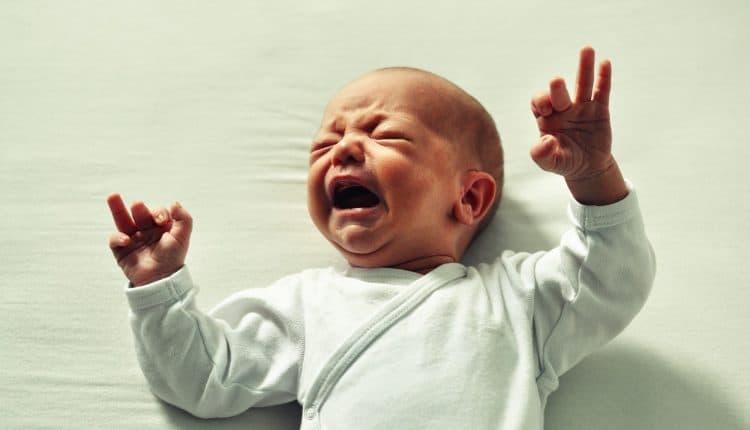 Baby s huilen herkennen en tips om je kind weer stil te krijgen