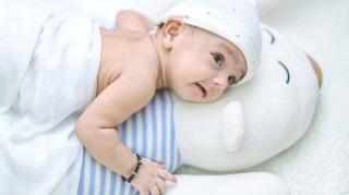 baby 8 weken oud